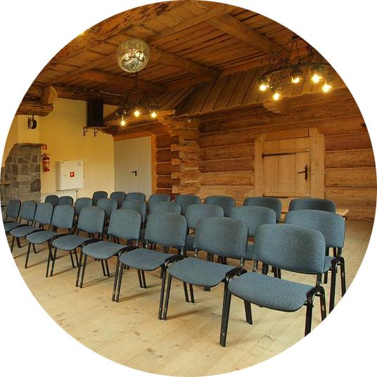 Wyjazdy firmowe - w pensjonacie Moje Tatry znajduje się sala konferencyjna z rzutnikiem